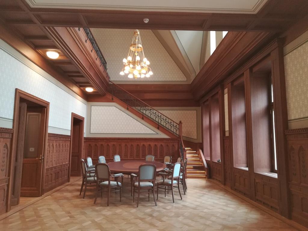 Bács Generál Kft - Protokoll terem és könyvtár